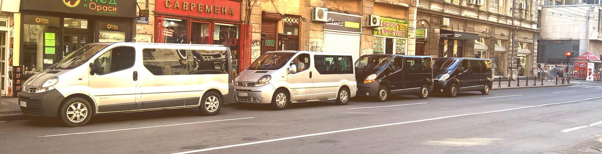prevoz putnika sa nekoliko kombija